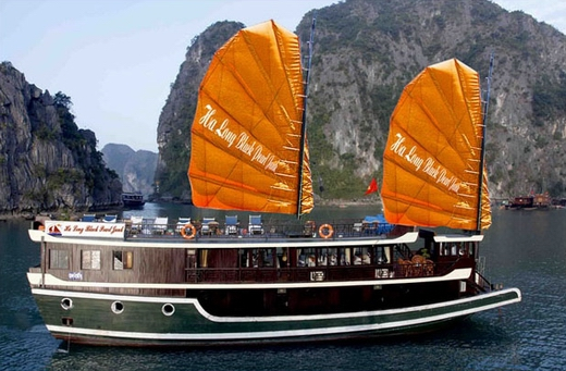 Halong Black Pearl cruise