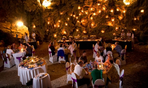Cave dining in Halong bay banned